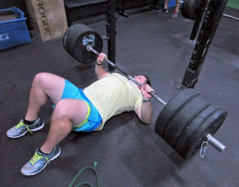 floor press crossfit